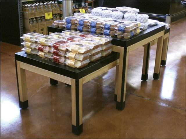 2 Tier Nesting Tables Cms Display Fixtures